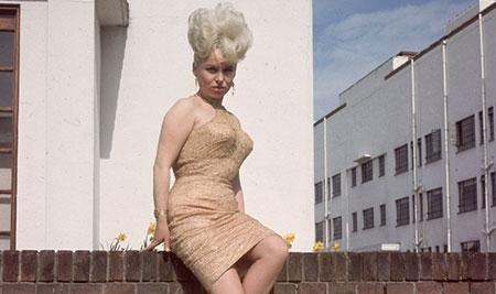 অভিনেত্রী বারবারার বিকিনি বিক্রি হলো ৯৫০০ পাউন্ডে